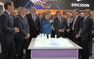 On the opening day of the Hanover Fair, German Chancellor Angela Merkel and Swedish Prime Minister Stefan Lövfen informed themselves about the concept of the 5G-Industry Campus Europe by Fraunhofer IPT and Ericsson.